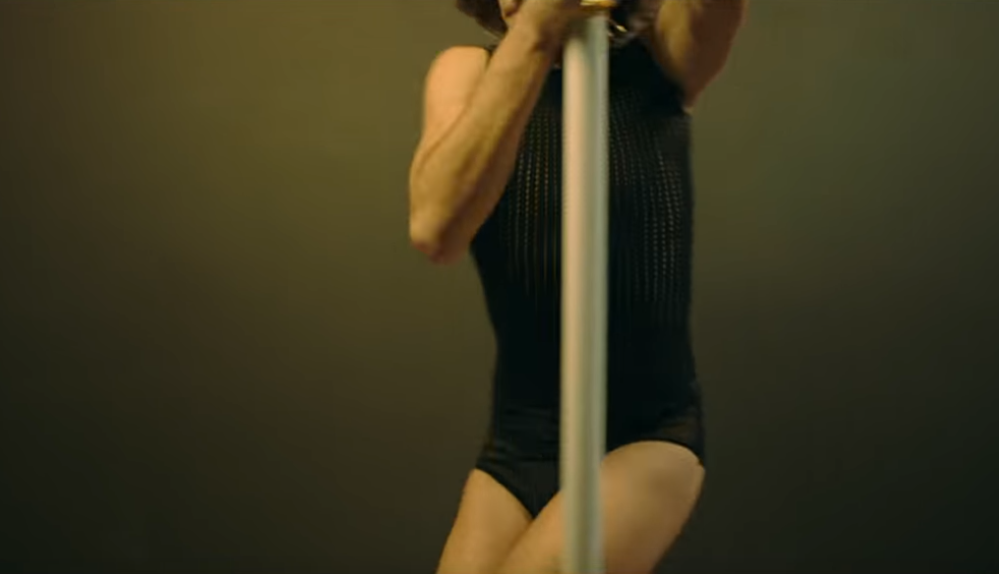 Chosen: nel nuovo video dei Maneskin Damiano è più queer e nudo che mai