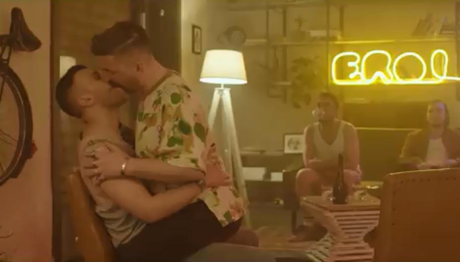 """Gli """"Eroi"""" moderni che lottano per la propria identità e sessualità nel nuovo videoclip di Lucia Manca"""