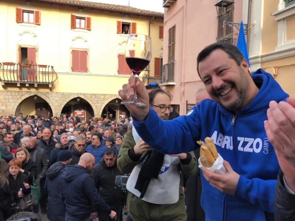 Salvini contro adozioni gay e GPA: «Schifezze indegne» – Video