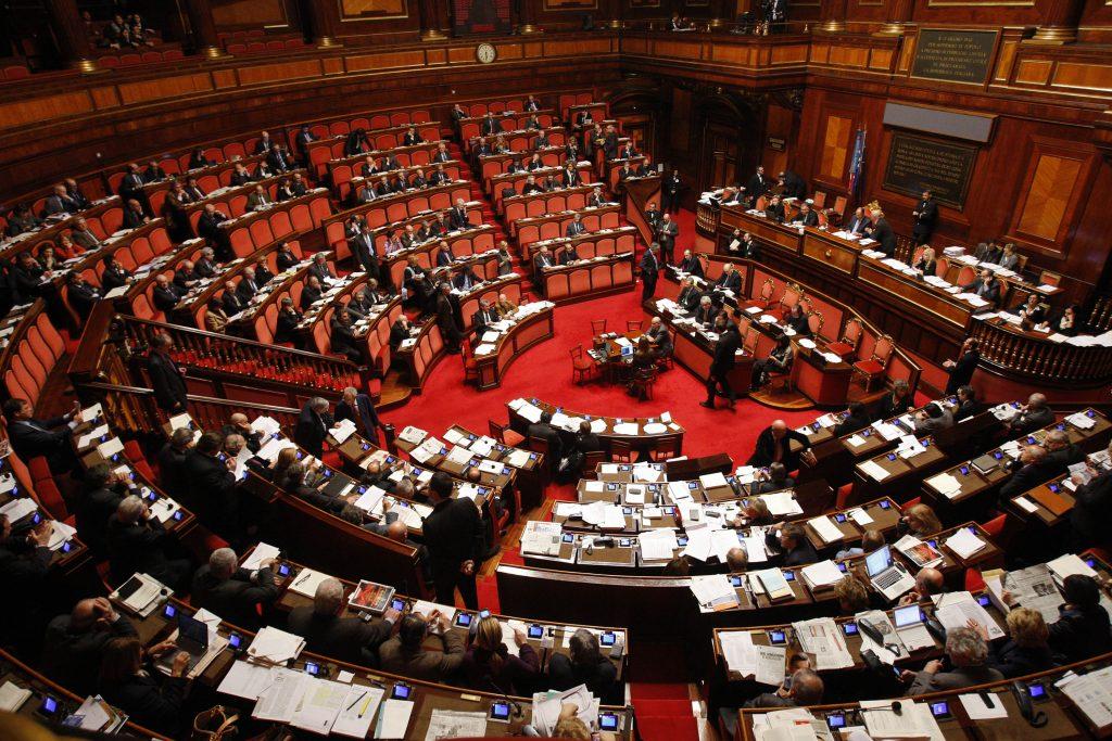 Revenge porn, Lega e M5S ci ripensano: la Camera vota all'unanimità
