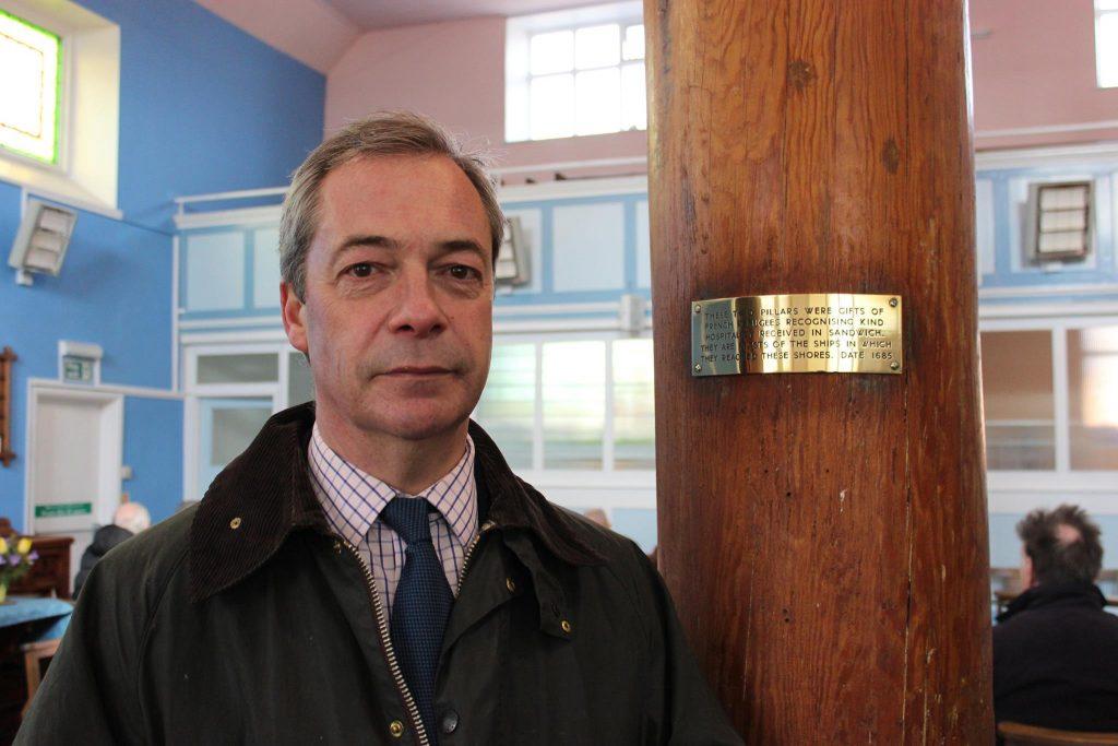 Nigel Farage contro l'ingresso in UK delle persone con HIV: «Prima i britannici»