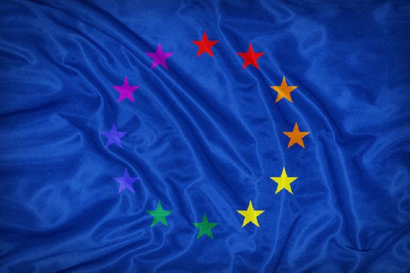L'europarlamento chiede il riconoscimento di matrimoni e adozioni gay in tutta l'Ue