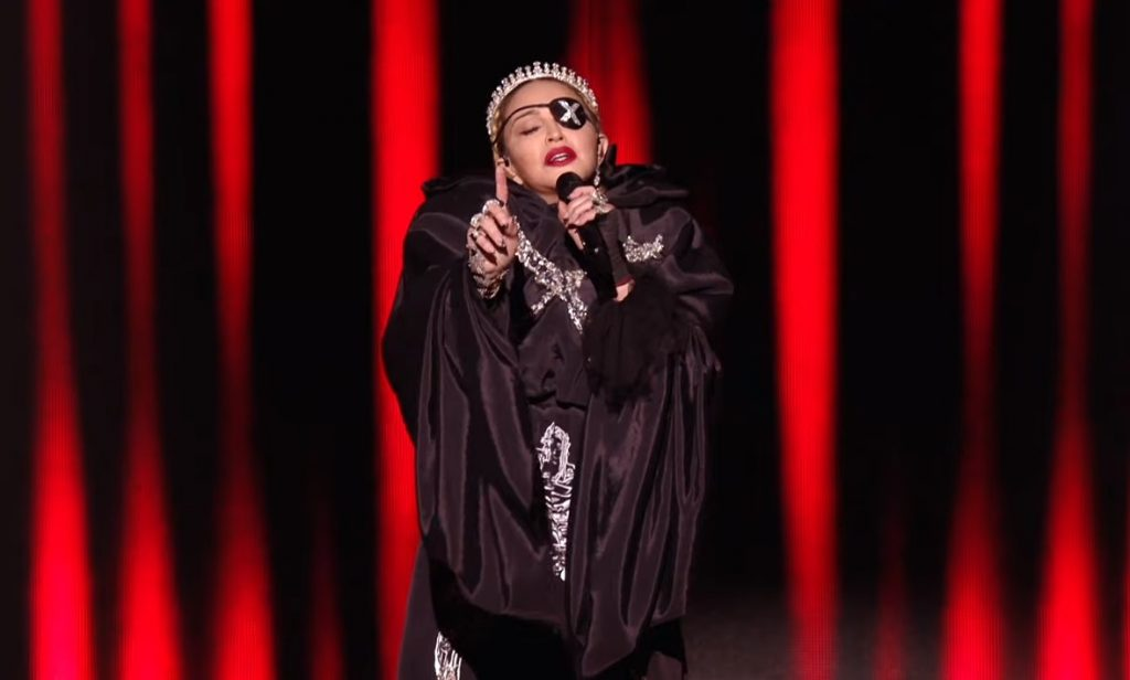 Madonna ritocca le stonature e pubblica un'impeccabile performance all'Eurovision