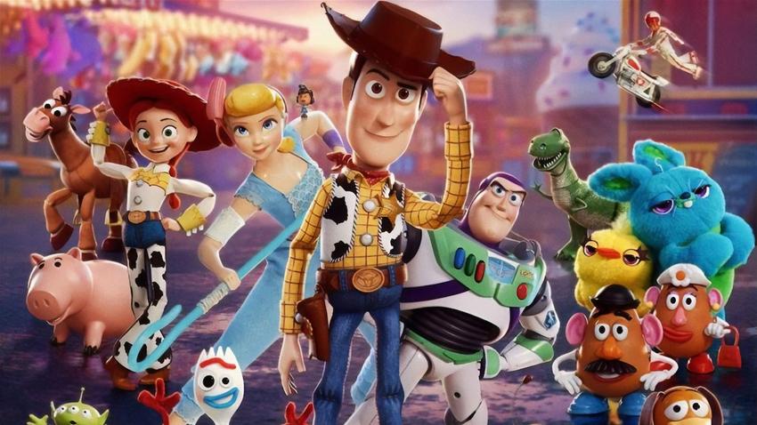 Toy Story 4 arriva oggi al cinema con una famiglia arcobaleno