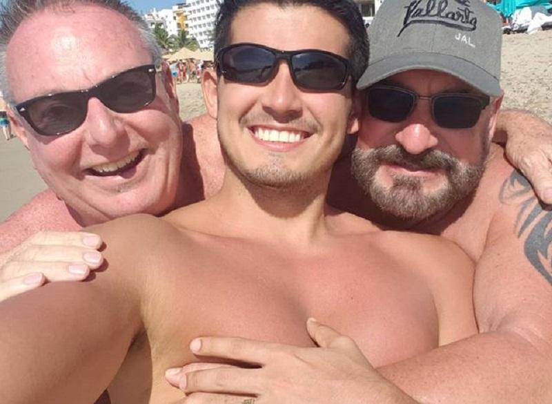 A 60 anni Peter e Kent trovano un secondo marito, il 27enne Rafael | QweerTea