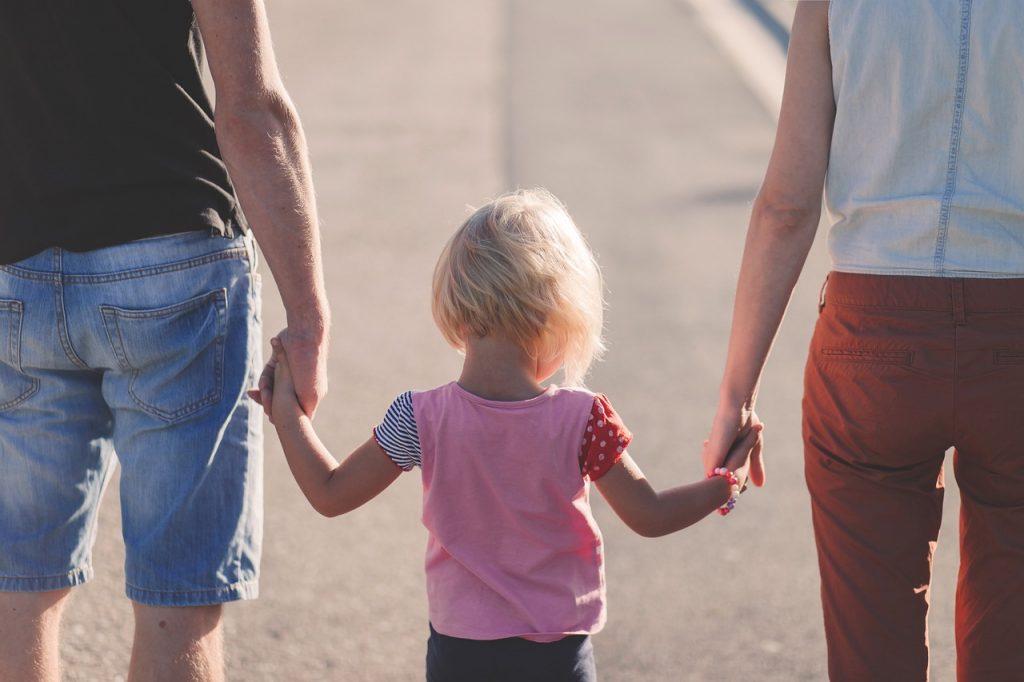 Bibbiano, consigliere FdI ammette: «Interpellanza su famiglie LGBT è strategia politica»