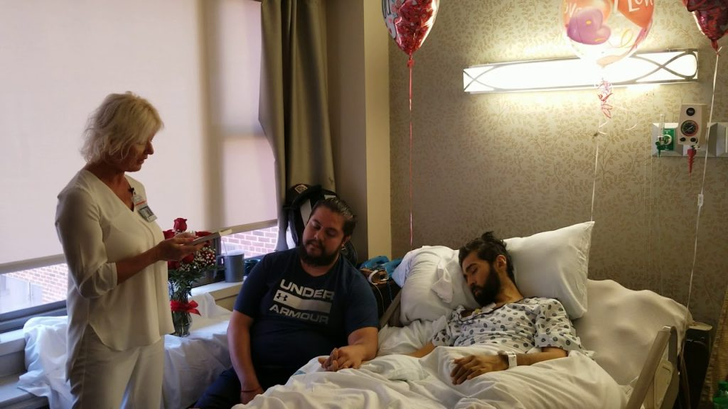 Alfredo, malato terminale, realizza il suo ultimo desiderio: sposare Erwin