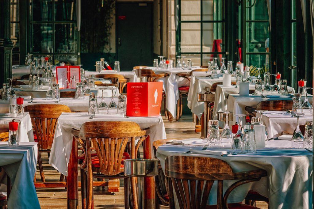 Omofobia ferragostana in un ristorante di Roseto degli Abruzzi