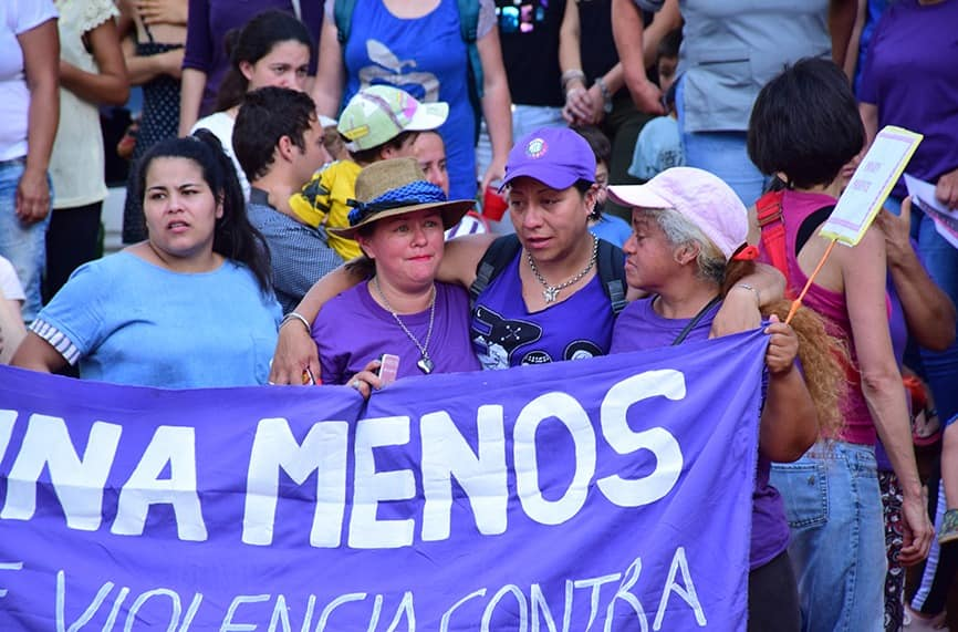 Le poliziotte argentine si rifiutano di reprimere i cortei femministi