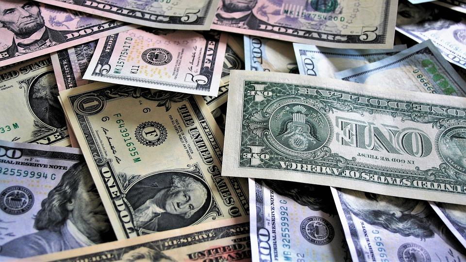 Stati Uniti, apre la prima banca LGBT+: mutui per le coppie gay e per la transizione