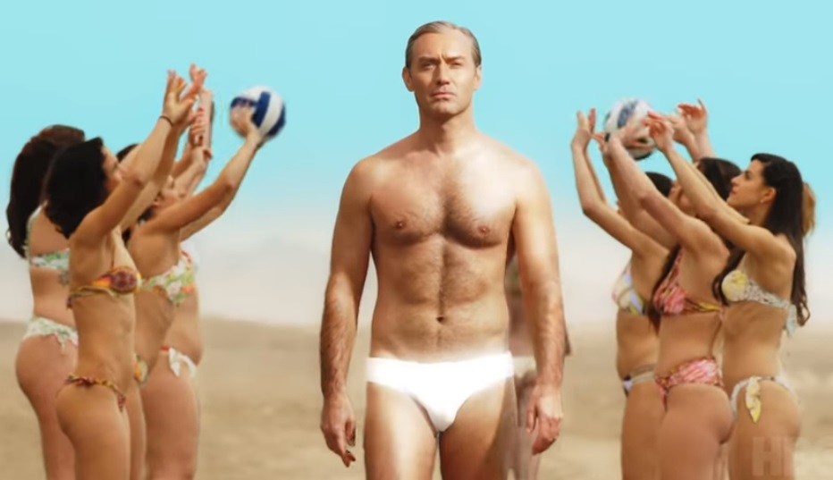 The New Pope, Jude Law: «Lo speedo? In alcune scene sarò meno vestito»