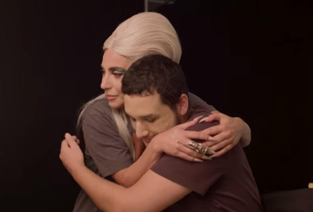 Lady Gaga fa una sorpresa a un suo fan: la sua reazione è commovente