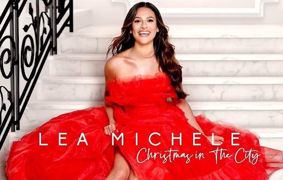 Un'impaziente Lea Michele (Glee) pubblica l'album di Natale con 61 giorni d'anticipo
