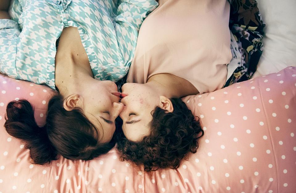 Una donna su 6 e un uomo su 19 sono attratti da persone dello stesso sesso: lo studio neozelandese