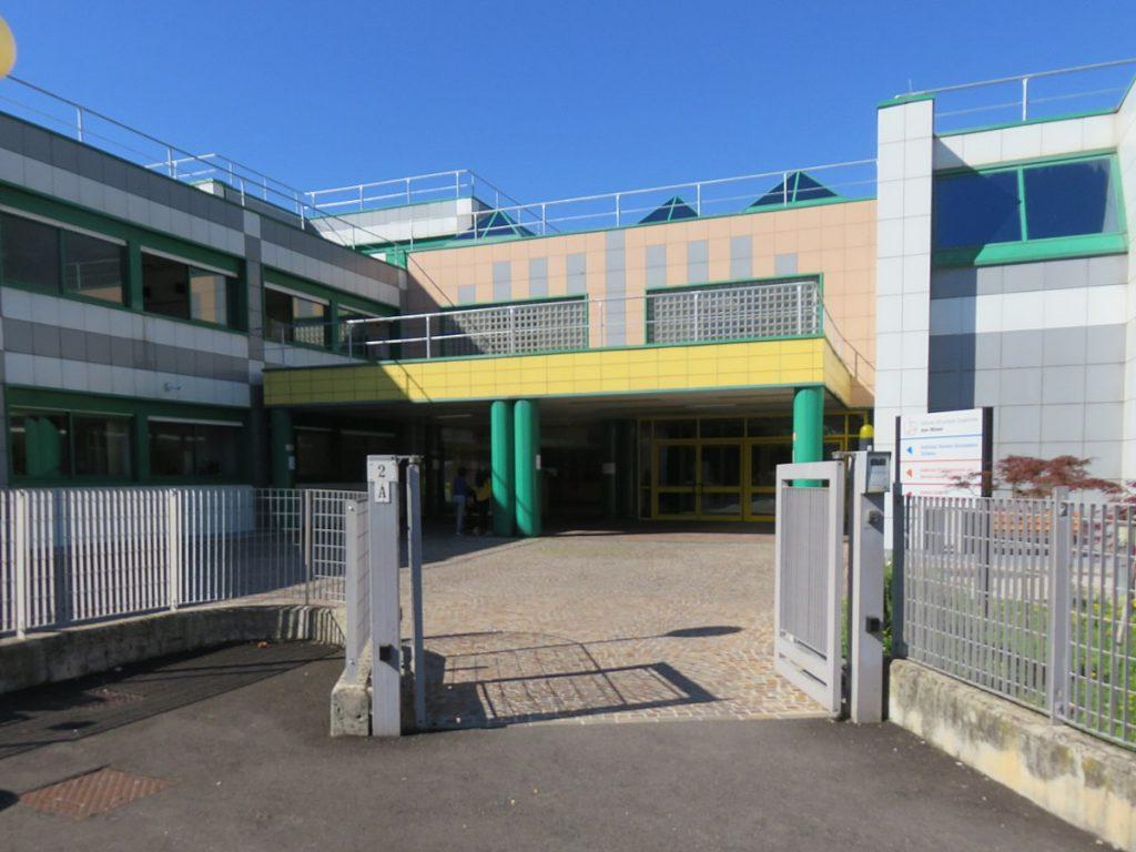 Rovereto, 15enne vittima di bullismo a sfondo omofobico a scuola