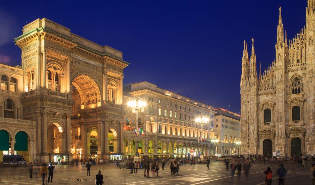 Omofobia a Milano, 25enne accerchiato e aggredito da 10 uomini