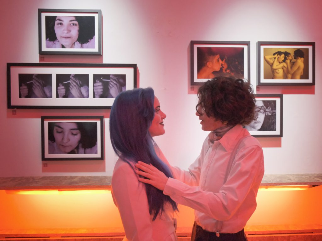 """Giulia Cirella, l'artista queer che distrugge i tabù con la sua """"Introspettiva"""""""