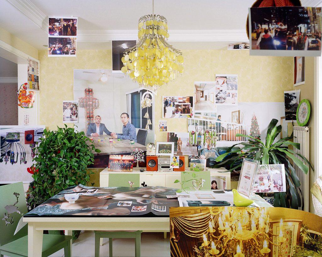 L'artista che urlava la propria omosessualità tappezzando di foto casa dei suoi