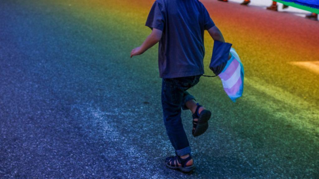 I bloccanti della pubertà aumentano la felicità dei bambini trans