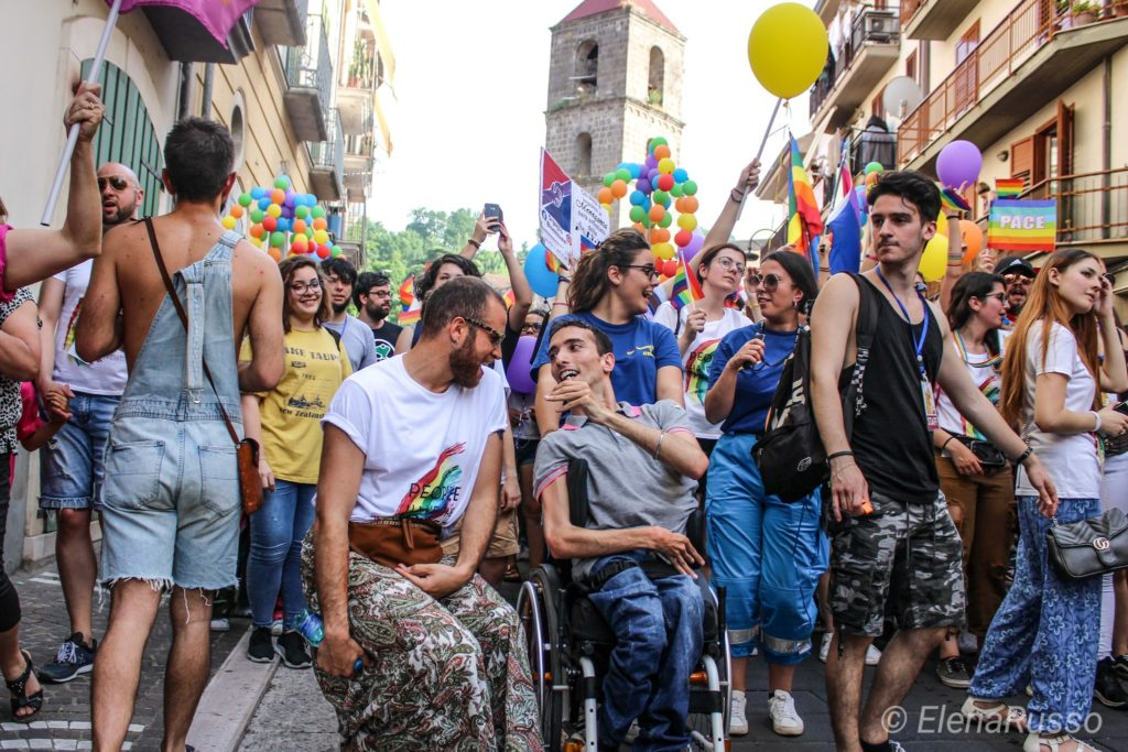Fare attivismo LGBT+ in provincia: la storia di Apple Pie