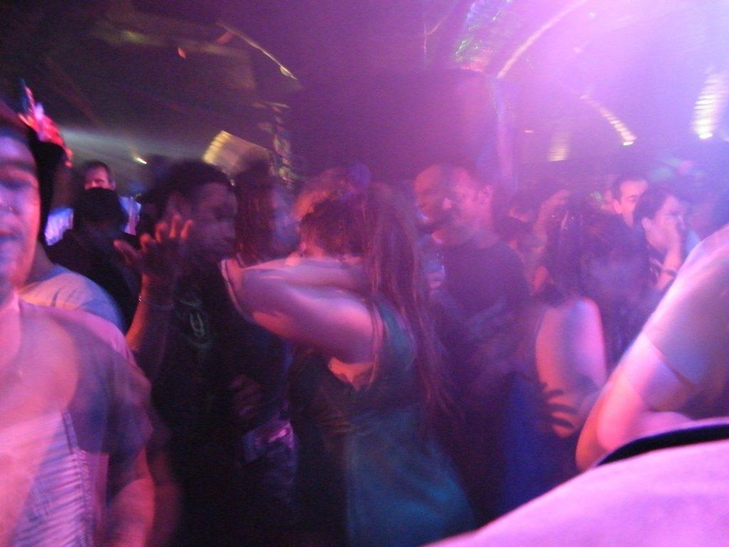 Lucca, aggressione omofoba in un locale durante una serata LGBT