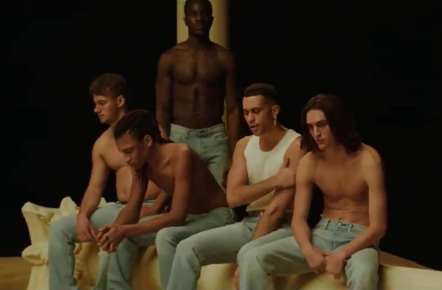 Mahmood, qual è il significato del testo e del videoclip di Rapide?