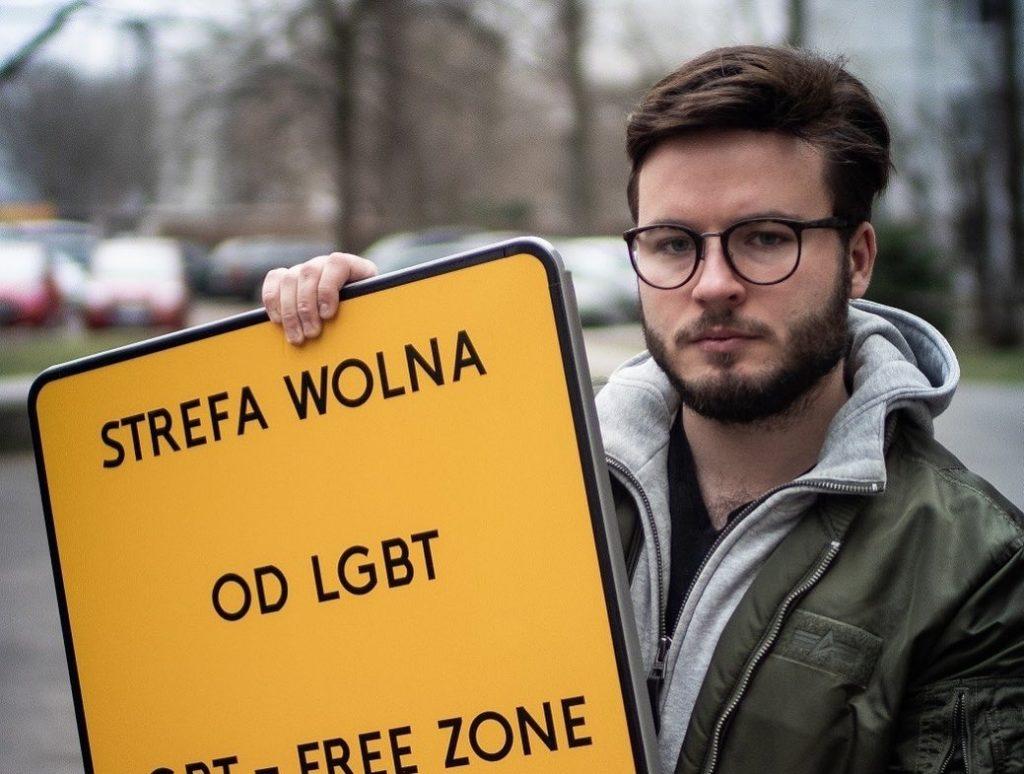 """La Polonia ha istituzionalizzato le """"zone senza LGBT"""": le foto di Staszewski"""
