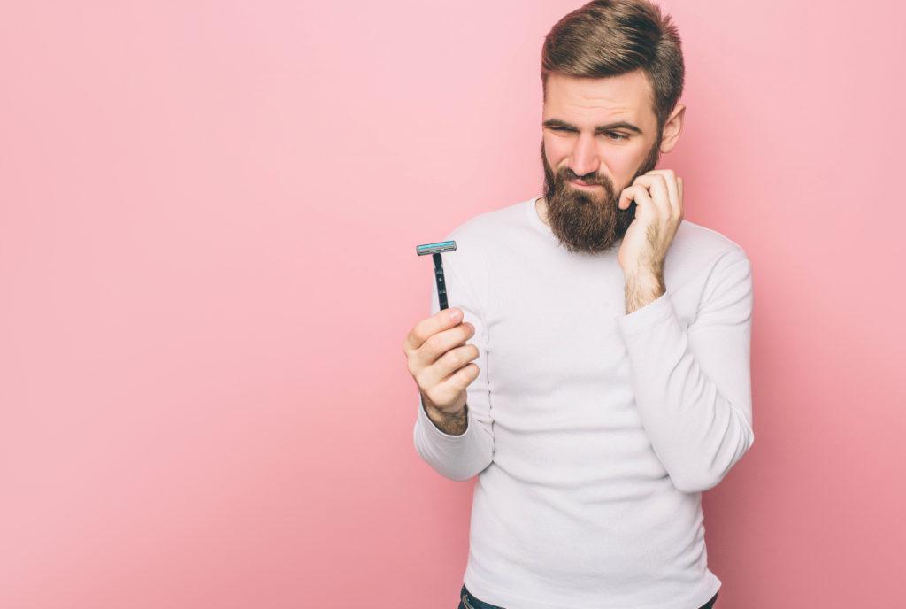 A qualcuno piace depilato: tutti i trucchi per non danneggiare l'attrezzo