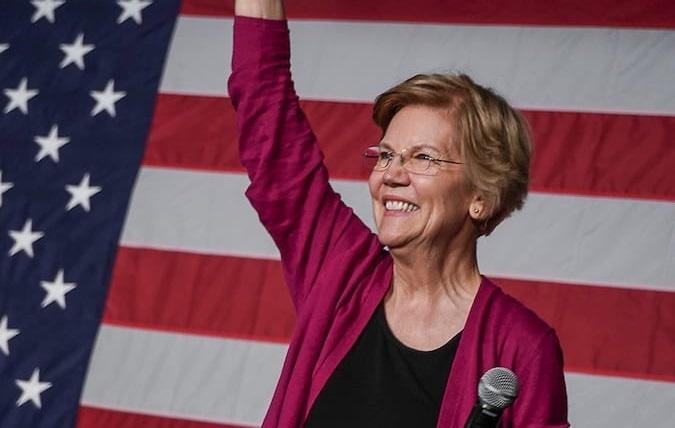 Elizabeth Warren considera l'eventualità di un vicepresidente non-binary in caso di vittoria