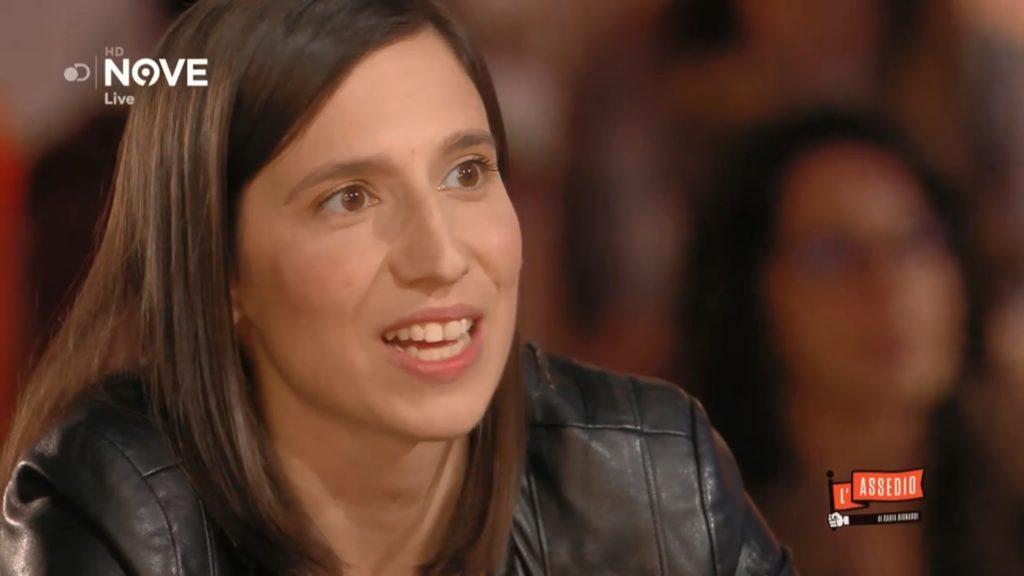 L'Assedio, Elly Schlein fa coming out in diretta: «Sto con una ragazza»