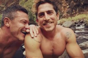 Luke Evans ufficializza il fidanzamento con Rafa Olarra in un video Instagram