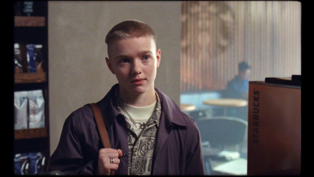 «Come ti chiami?» Un ragazzo trans nell'emozionante spot di Starbucks