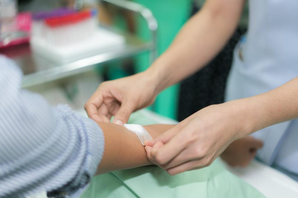 Covid-19, in USA restrizioni minori per la donazione del sangue di uomini gay e bisessuali