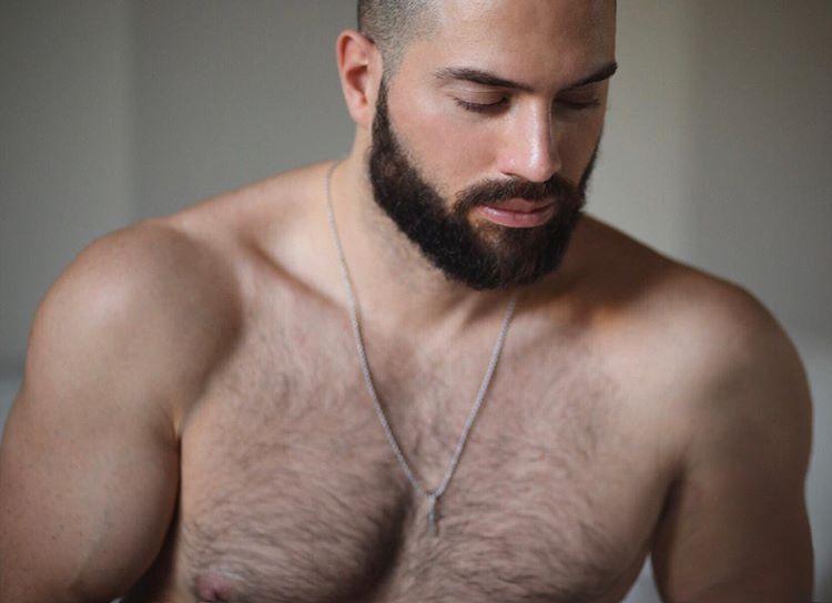 L'ex pornoattore Bruno Boni: «Ho l'HIV, metto al servizio degli altri la mia storia»
