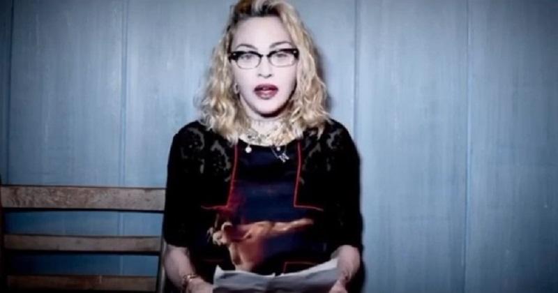 Simone Pillon contro Madonna: «blasfema», «anzianotta» e «plastificata»