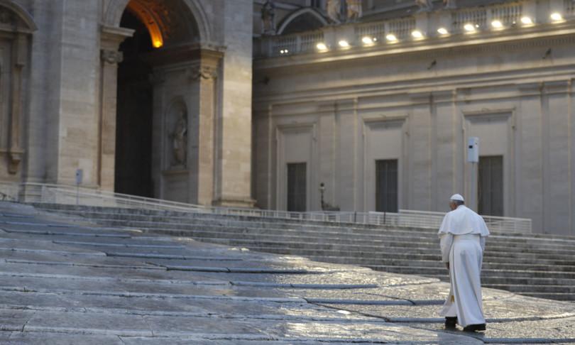 Apertura storica del Papa alle unioni civili: «Persone omosessuali hanno diritto a una famiglia»