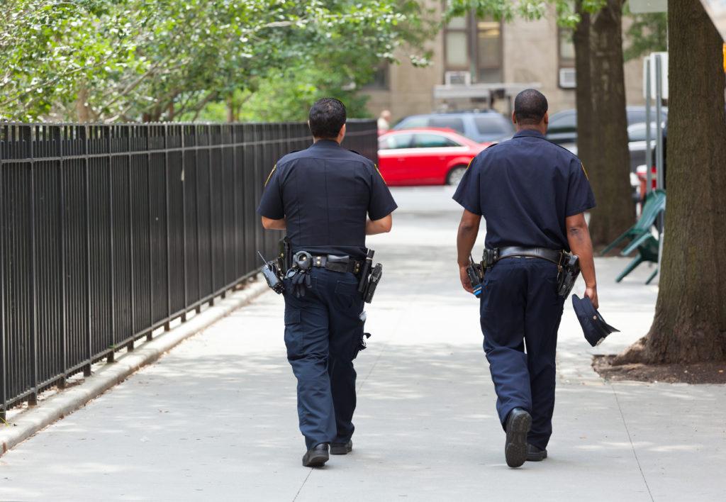 Stati Uniti, pastore denuncia un rapimento ma era nel motel con un escort: arrestato