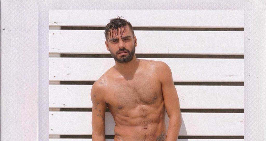 """Risveglio Instagram """"troppo"""" hot per Mario Serpa, le fan si indignano: «Che schifo!»"""