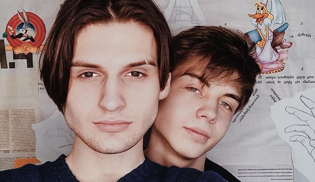 Cosa significa oggi essere una giovane coppia gay in Russia: intervista a Francisco e Arthur