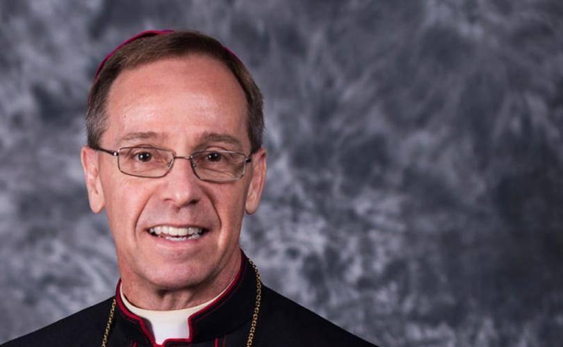 Stati Uniti, l'arcidiocesi cattolica indica alle scuole di rifiutare gli studenti trans