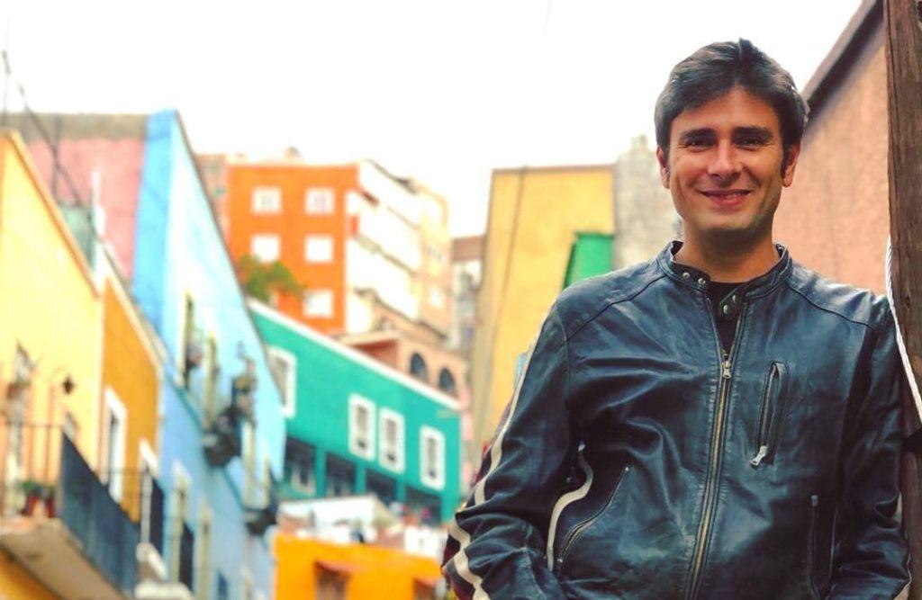Alessandro Di Battista parla delle «volgari forme di trasgressione durante i Gay Pride»