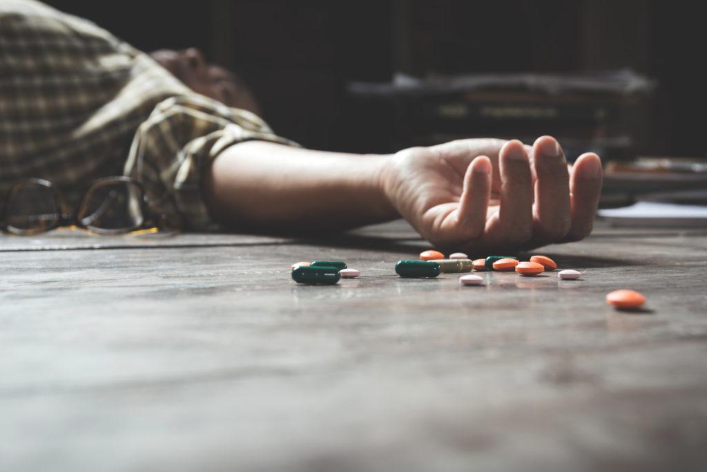 Giovani LGBT+: terapie riparative raddoppiano il rischio di suicidio