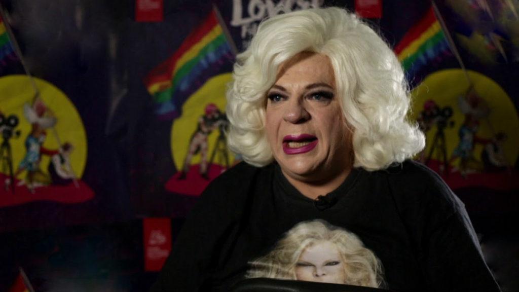 Platinette contraria alla legge contro l'omotransfobia: «Piagnisteo continuo degli Lgbt»