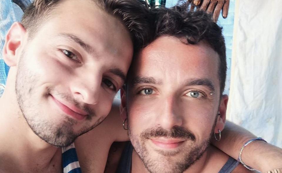 Salerno, coppia gay separata in discoteca durante un bacio