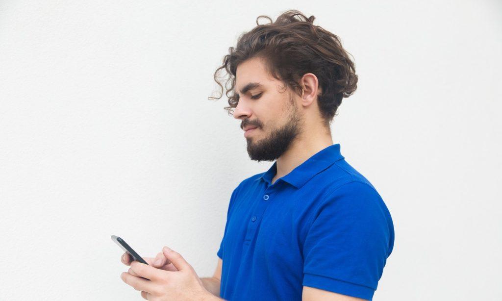 Le cronache di Grindr: discriminazione sull'app d'incontri