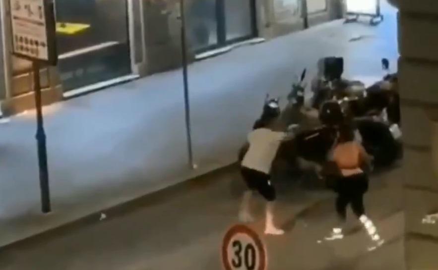 Roma, uomo cerca di sgozzare una donna trans con una bottiglia di vetro rotta