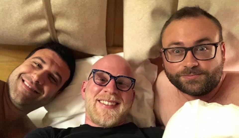 Attacco omofobo al vicesindaco di Budrio: «Si dovrebbe vergognare a pubblicare foto di ammucchiate»
