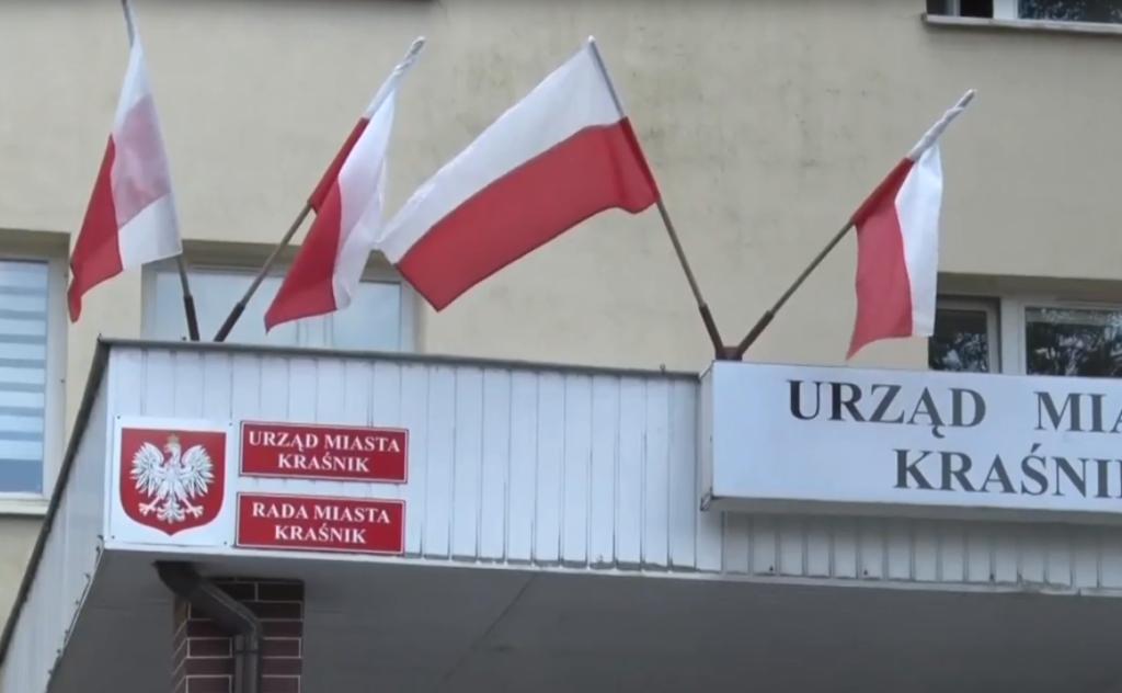 """Kraśnik, la città polacca che preferisce mantenere la """"zona LGBT free"""" che ricevere i fondi economici"""