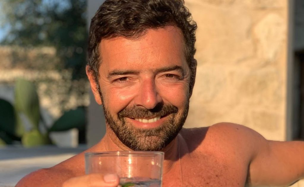 Alberto Matano irritato che si parli della sua sessualità: «Non amo etichette»