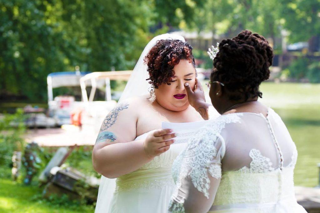 """I genitori di Chaya e Morgan non vanno al loro matrimonio, loro si sposano davanti a 10mila """"invitati"""""""
